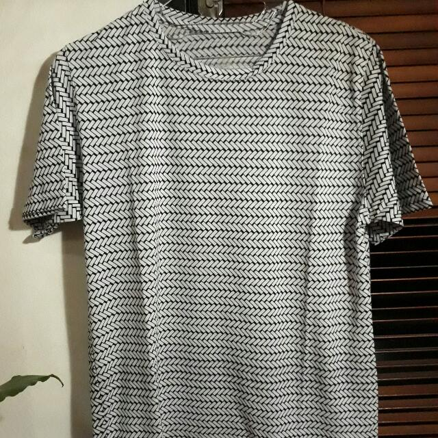 Local Brand Kaos Motif Kotak