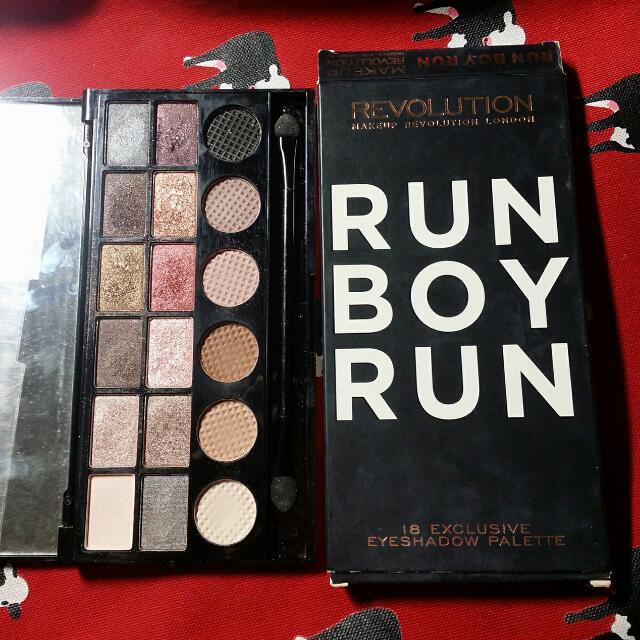 Makeup Revolution-Run Boy Run 18色眼影盤