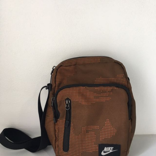 Nike Core Small Items - Daftar Harga Terkini e413bf0cfeaec