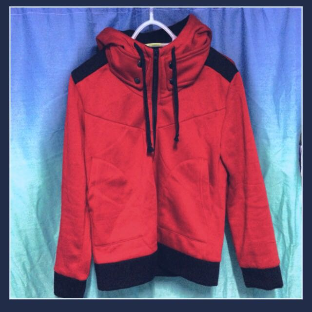 Red Hoodie With Neck Warmer