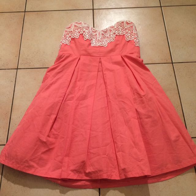 Sz 10 Peach Cocktail Dress New Condition