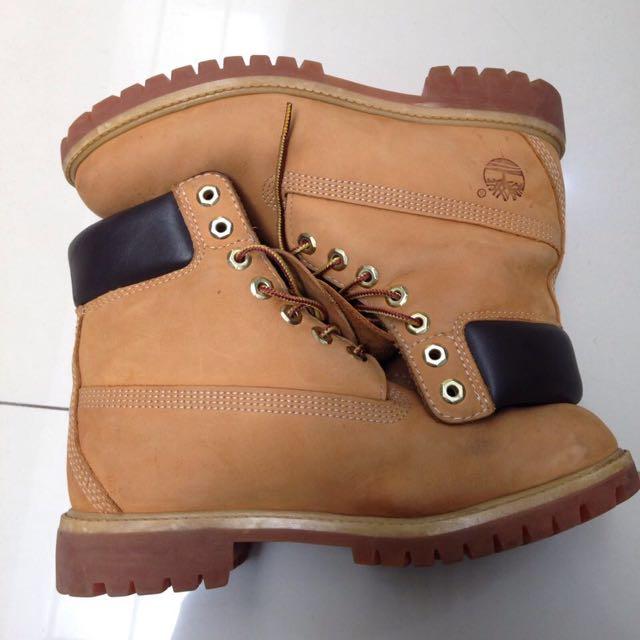 """Timberland 6"""" Nubuck Classic Boots Size EU 41 / US 7,5"""
