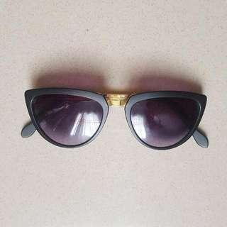 Sale!!! Cat-eyed Sunnies