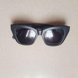 Sale!!! Cat-eyed Sunnies 2
