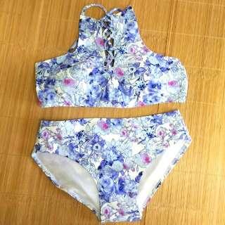 🚚 泰國 紫 花花 花卉 民俗風 民族風 Bikini 比基尼 泳衣 泳裝 紫色 淺紫 綁帶 兩截式 套裝