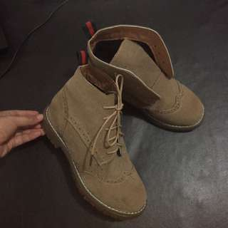 Sepatu Boots Khaki
