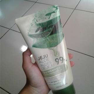 The Faceshop 99% Jeju Aloe Soothing Gel