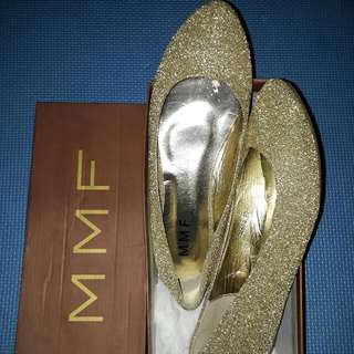 Gold Flat Shoes Preloved