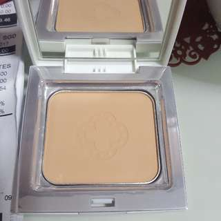 Bn VDL BRIGHTING POWDER FOUNDATION  SPF 45,PA++ Color Shade 301