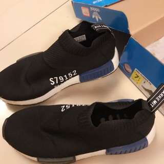 Adidas 鞋