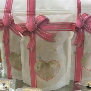 法式蔓越莓牛軋餅 手作Q餅 新年 年節 現正團購9包送禮另有精美盒裝及提袋 下午茶點 最夯的團購貴族甜點 優惠價廉 #十二月良品半價