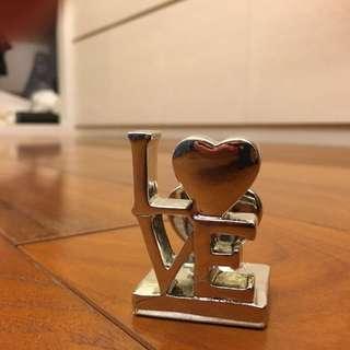 LoVE 擺飾 桌飾 裝飾 愛 愛情 情人 紙鎮