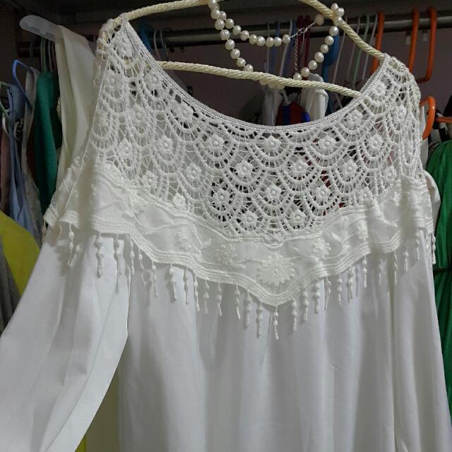 蕾絲 露肩 白上衣洋裝