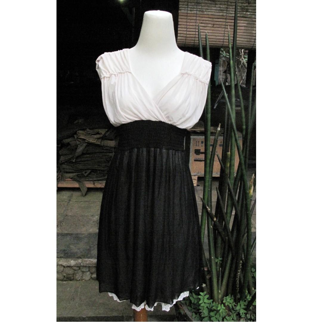 Recommeeended... Dress Pesta V Neck