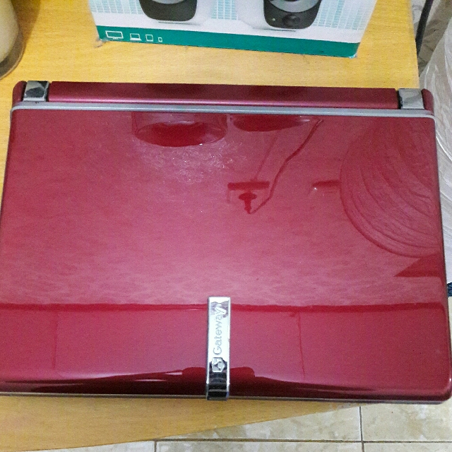 GATEWAY NETBOOK LT2030U ( COLOUR: RED )
