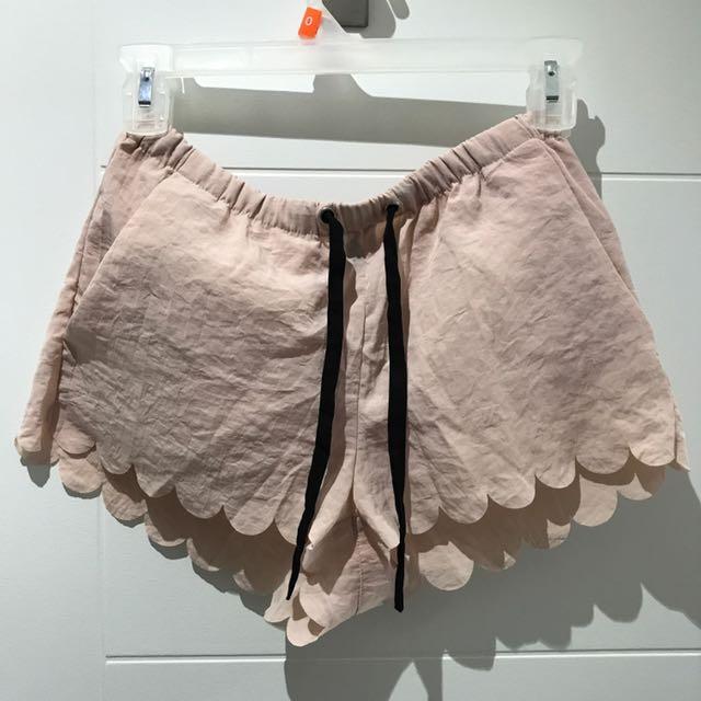 HM Scallop Hem Shorts
