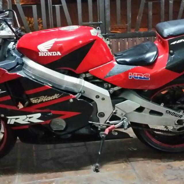 Honda Cbr 400 Motorbikes On Carousell