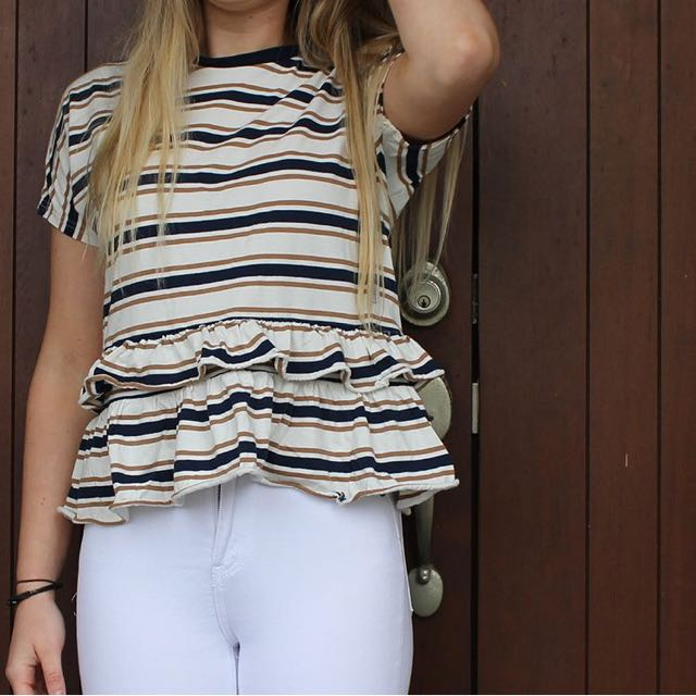 Lower Frill Top