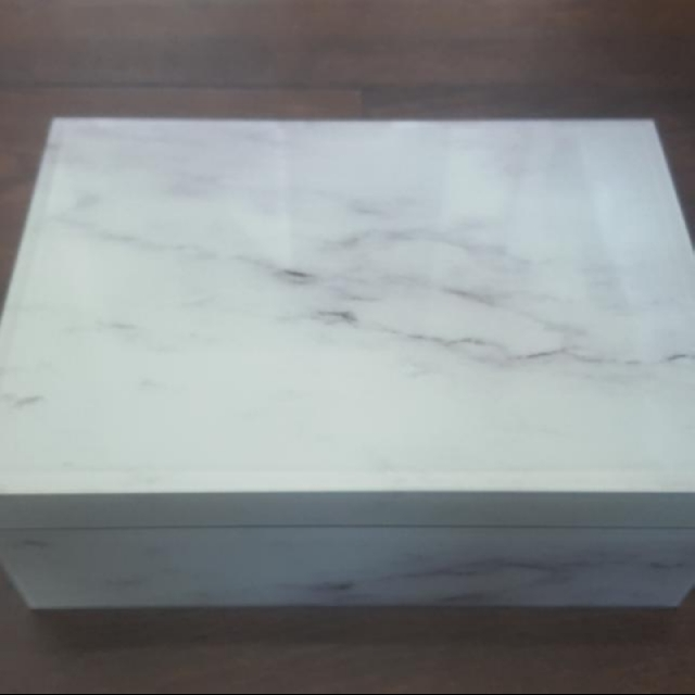 Marble Suede Lined Box