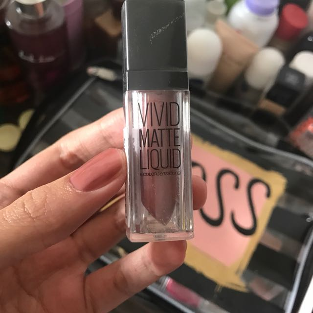 Maybelline Vivid Matte Liquid Mat 12 NEW AND SEALED