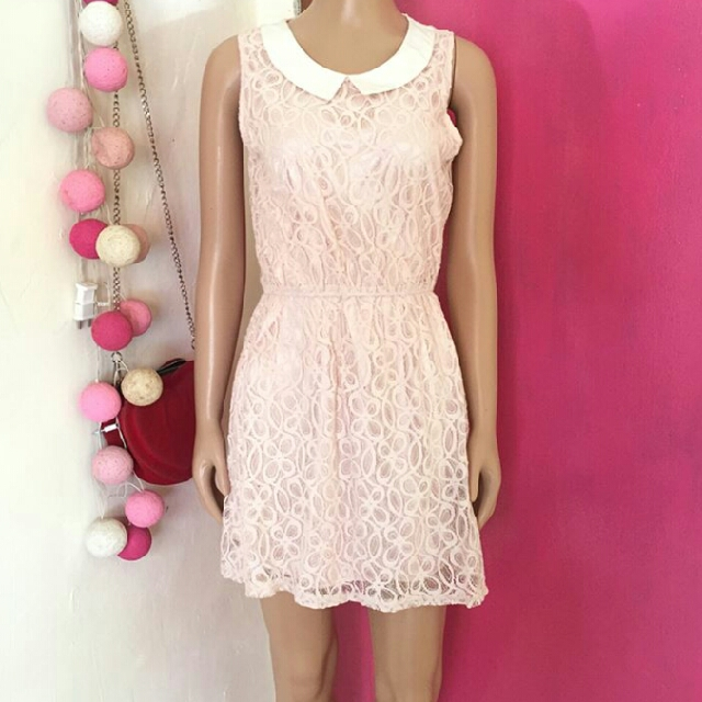 Pinl collar lace dress