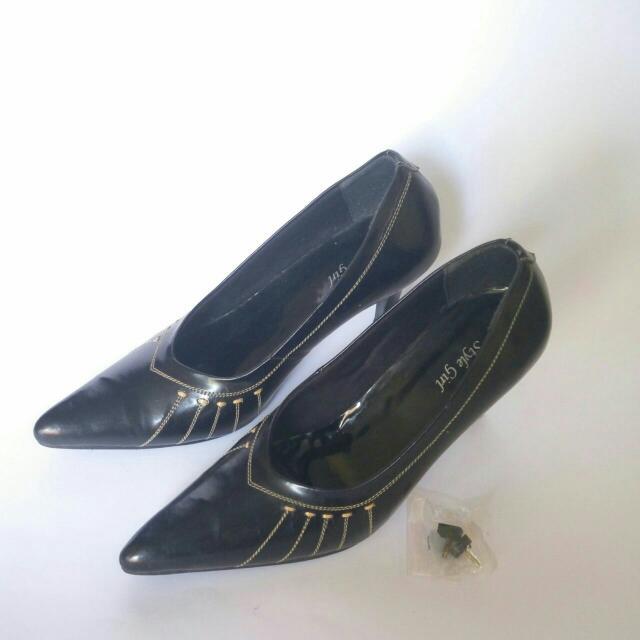 Sepatu Pentofel