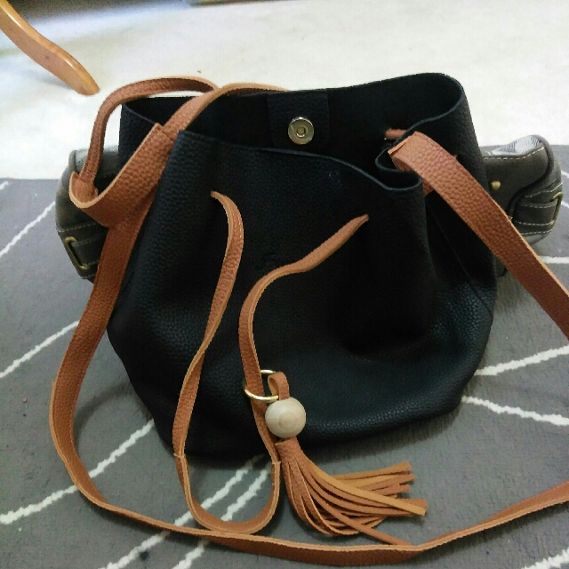 Side Bucket Bag (Leather)