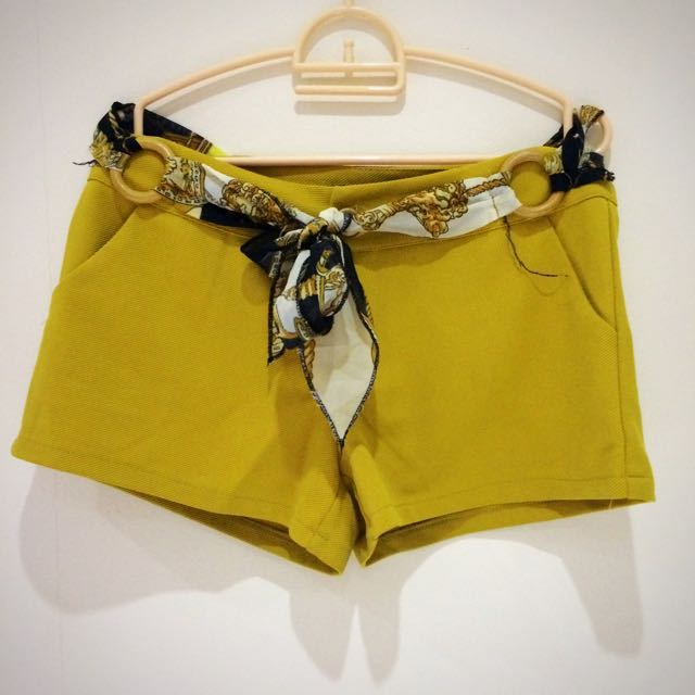 Yellow Hotpant