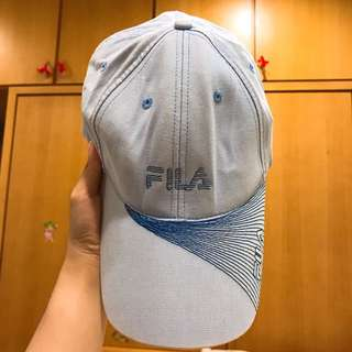 FILA藍色鴨舌帽