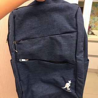 方型多功能筆電後背包