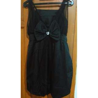Sleeveless dress (Black)