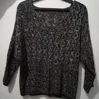 black knitted long sleeves