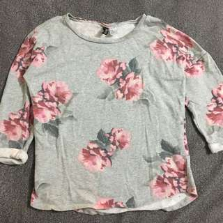 H&M Floral Longsleeves Sweater