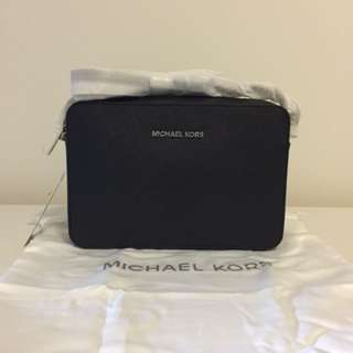 NWT Authentic Michael Kors Jet Set Large Saffiano Leather Crossbody - SHW Black