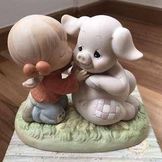 BNIB Precious Moments - Hogs And Kisses