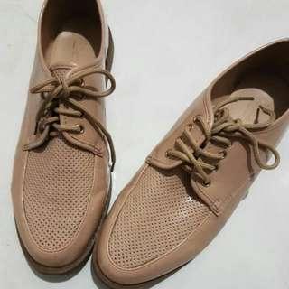 Sepatu Donatello