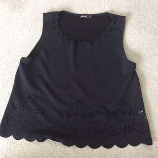 Chicabooti Size M Navy Blue Top