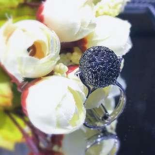 18K白金黑鑽戒指/18K Gold Black Diamond Ring