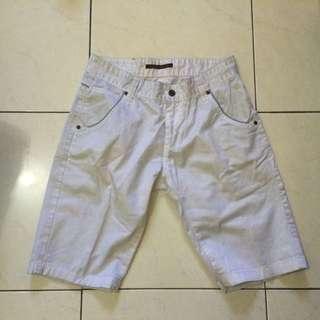 "WHITE SHORT PANTS ""Nudie Jeans"" for MAN | Celana Pendek Pria"