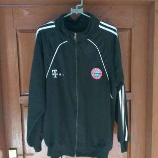 Jaket Bayern Munchen . Jaket Sport. Jaket Laki Laki . Jaket Hitam