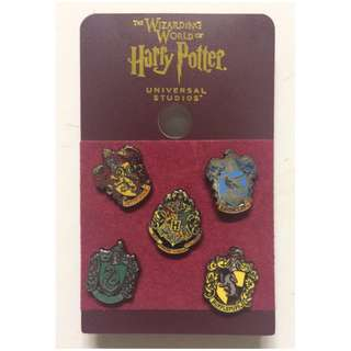 Harry Potter Hogwarts Crest Pins