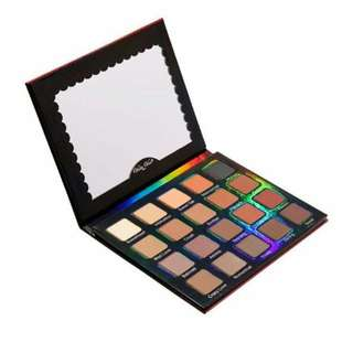 Instock Violet Voss' Matte About You Eye Shadow Palette
