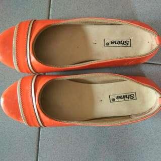 Flatshoes Orange . Sepatu Wanita