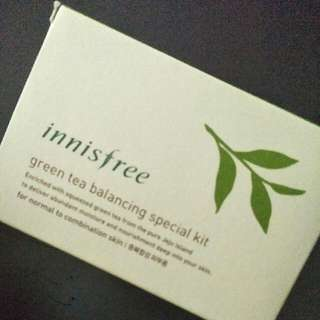 BNIP Innisfree Green Tea Balancing Special Kit