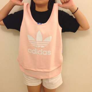 Adidas粉紅無袖上衣
