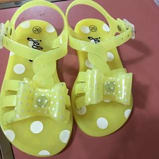Jellies sandals size 25