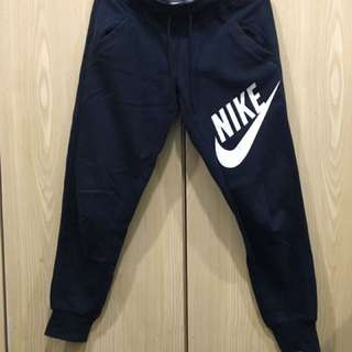 Nike 運動 縮口褲 黑色