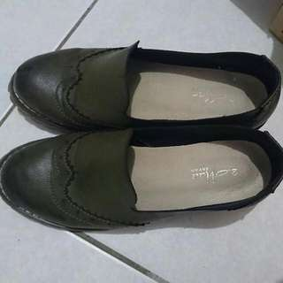 2 Mama. 牛津鞋