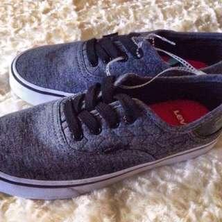 Levi's (Black/Gray)
