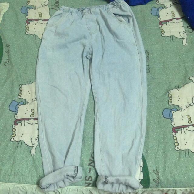 淺色 BF寬鬆牛仔褲